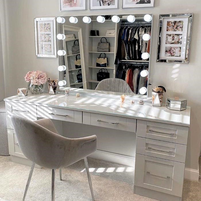 DIY Wall Vanity Mirror with Lights